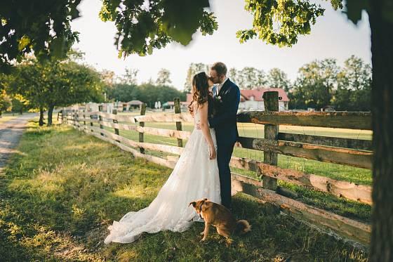 Svatby na statku jsou čím dál populárnější.