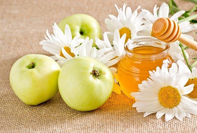 Med je oblíbeným sladidlem i potravinou vyhledávanou dětmi a dospělými.