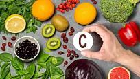 Velké množství vitamínu C obsahuje nejen ovoce, ale i některé druhy zeleniny.