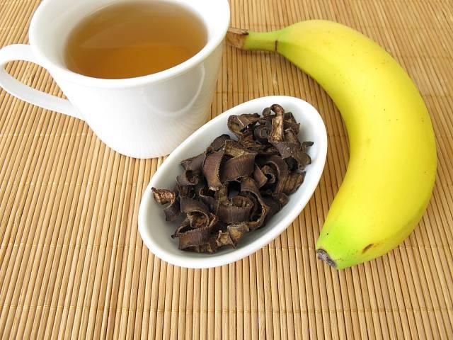 Slupky bio banánů můžete usušit a připravit z nich čaj.