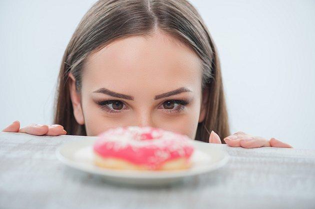 Cukr láká, ale škodí