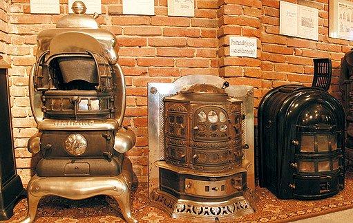 Kolekce tzv. amerických kamen. Měly konstrukci, která velmi efektivně využívala palivo