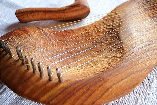kantela - hudební strunný nástroj