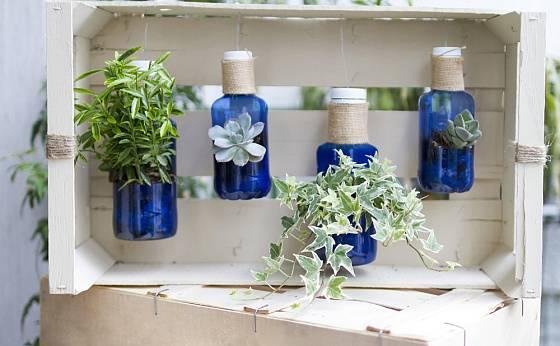Něžná dekorace z plastových lahví