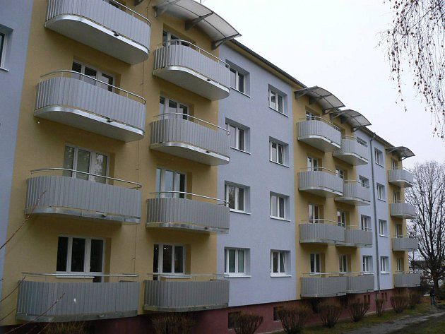 Kompletní revitalizace s kompletními balkony.