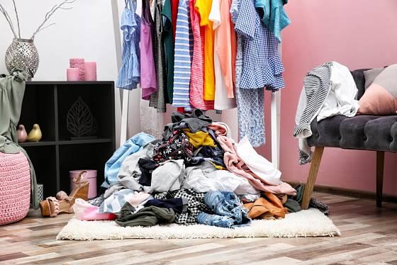 Nepořádek v oblečení vznikne rychle