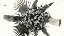 Smuteční vazba podle prvorepublikové floristiky