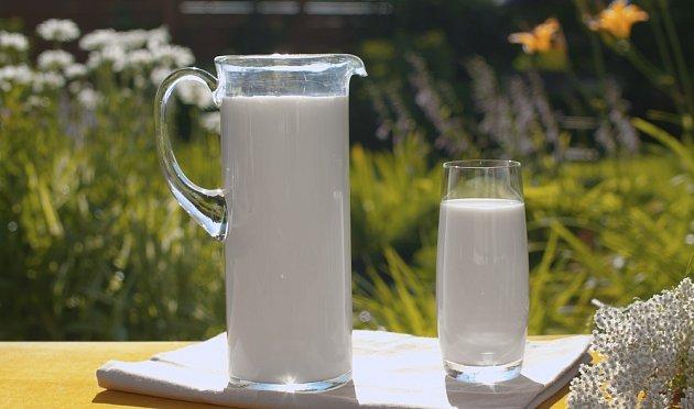 Mléko může dokonce posloužit jako ochranný prostředek proti patogenním mikroorganismům, mnoha škůdcům a obtížnému hmyzu.
