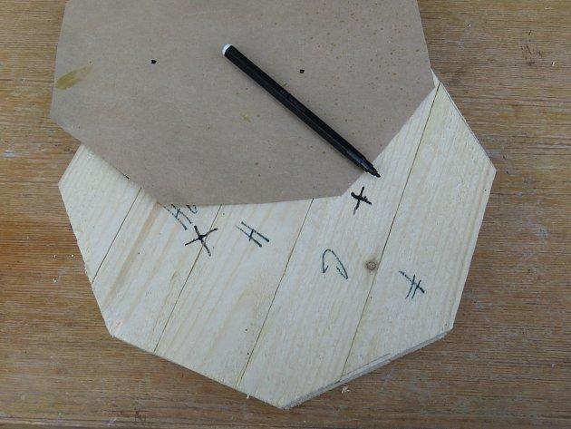 Výroba dřevěné trojnožky: Body přeneseme nahoru dýnka