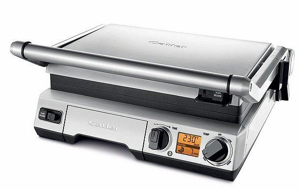 Elektrický gril Catler GR 8030 lze využít jako kontaktní, ale i jako otevřenou barbecue variantu