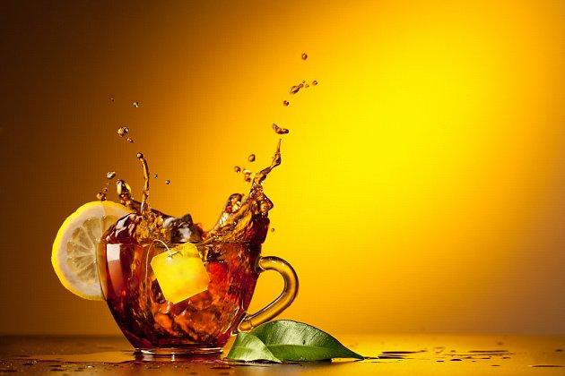 Citron k čaji bývá považován za barbarství.