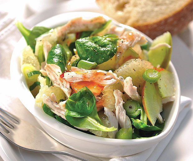 grepový salát s kuřecím masem