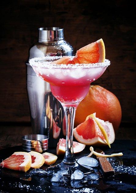 Růžový drink udělá radost zejména dámskému kolektivu.