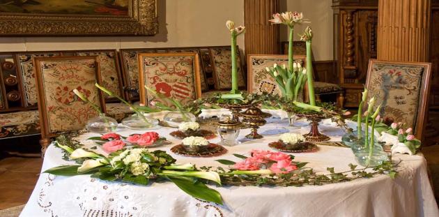 Interiéry rájeckého zámku ožívají rok co roky květy kamélií.
