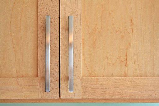 kuchyňská skříňka z dýhy