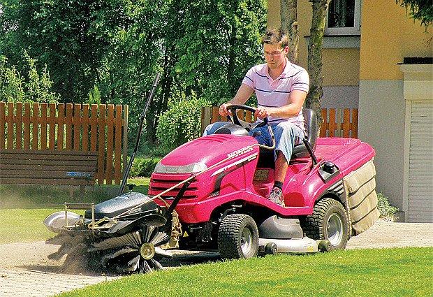 Traktor uplatníme nejen při sečení