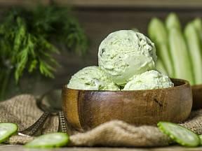Jak udělat okurkovou zmrzlinu.