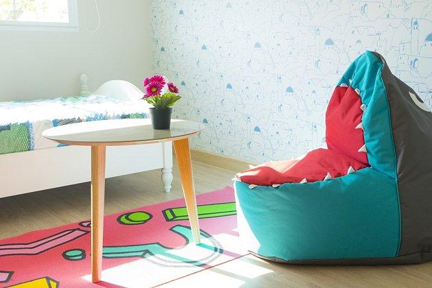 Do dětského pokojíčku můžeme zhotovit sedací pytel v podobě dračí tlamy.