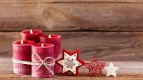 Svíčky svažte k sobě