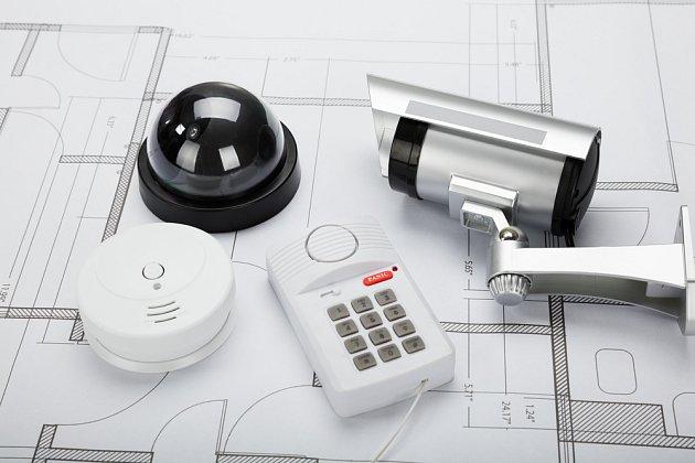 Kamerový systém, senzory, dobrý software, který zvládnou ovládat všichni členové rodiny. I takový alarm můžete mít.