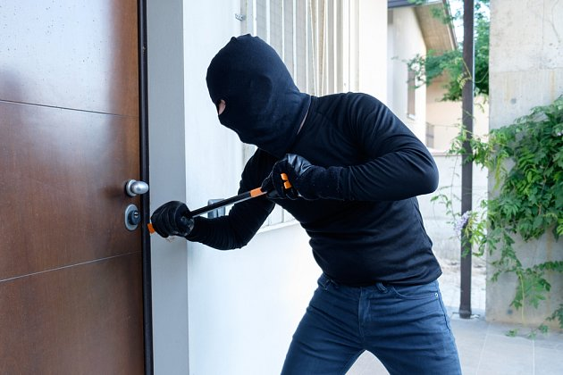 Kvalitní , dobře realizované bezpečnostní dveře jsou spolehlivou ochranou vašeho domova.