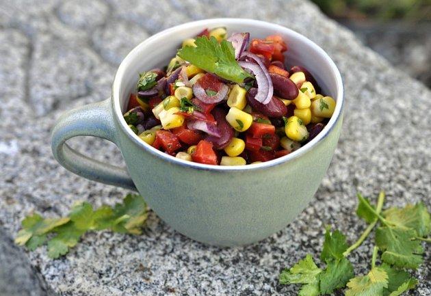 Fazolový salát s koriandrem
