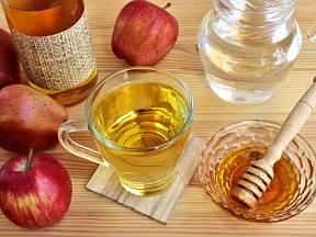 Nápoj zmedu a jablečného octa pijte denně 20 minut před snídaní. Zlepší se 7 věcí