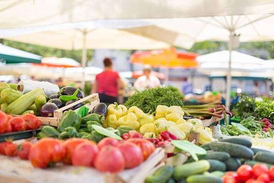 Nabídka na farmářském trhu je sezónní