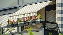 Moderní novostavba může mít balkon pro truhlíky již připravený.