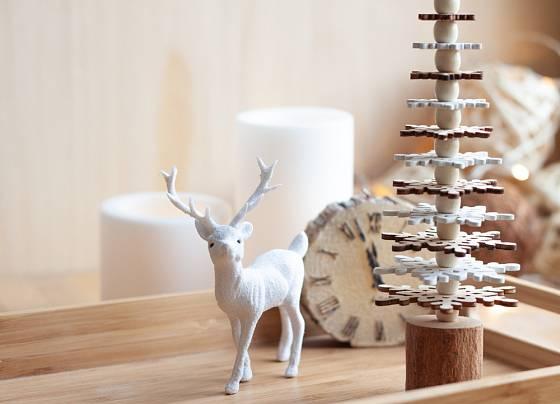 Jednoduchá vánoční dekorace z přírodních materiálů