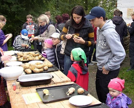 Součástí bramborové soboty je i ochutnávka brambor.