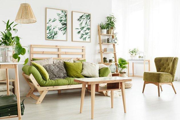 Futonová sedačka je moderní, rozložitelná a kdykoli tedy nabídne i místo ke spaní.