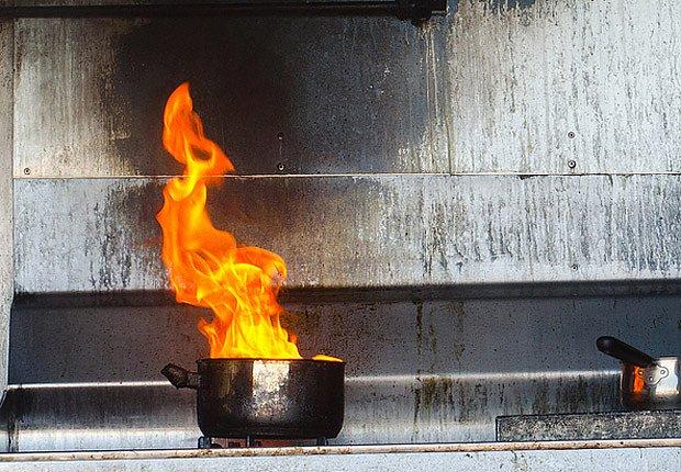 Každá látka hoří trochu jiným způsobem.