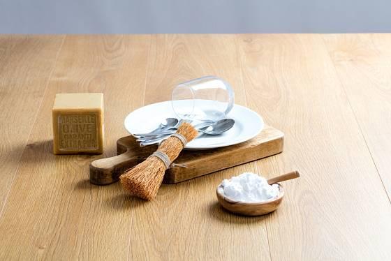 Na domácí saponát potřebujete v první řadě mýdlo a sodu
