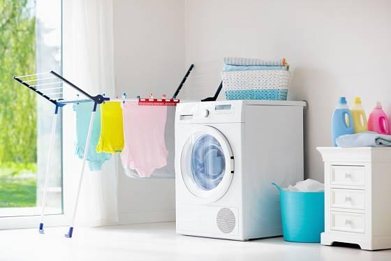 Vlhkost vzduchu zvyšuje také sušení prádla