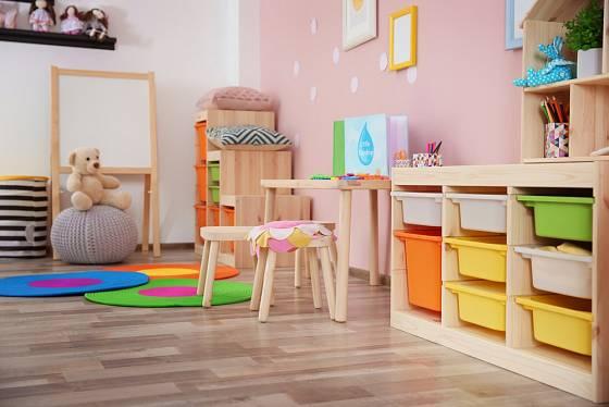 Obyvatelé dětského pokojíčku si stěny rádi vyzdobí