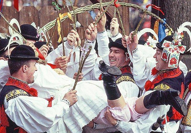 Na Červené pondělí vládne ve skanzenu sváteční šmigrustová pohoda