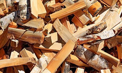 dřevo na otop