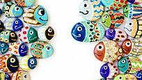 Nemáte-li dost rybiček v akváriu, vyrobte si další pomocí malby na kámen.