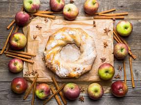 Rychlá jablečná bábovka