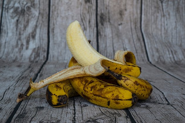 I banány s hnědými skvrnami na slupce můžeme skvěle využít.