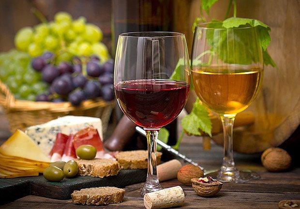 Svatomartinské víno se vyrábí bílé, červené i růžové
