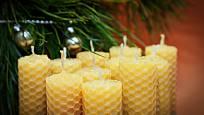 Svíčky dotvoří vánoční atmosféru