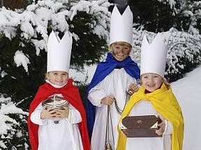 K novodobé tradici patří charitativní tříkrálová sbírka.