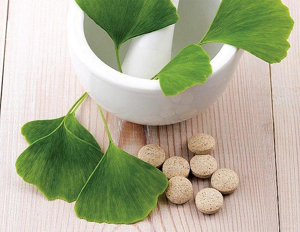 Ginkgo biloba (jinan dvoulaločný) v kombinaci s ibuprofenem může zvyšovat krvácivost