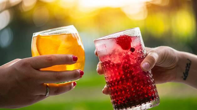 Jaké čaje jsou nejlepší v horkých letních dnech?