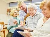 Psychoterapeutka pomáhá lidem s demencí