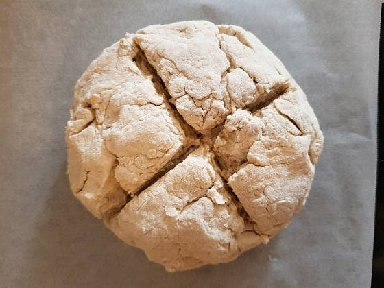 kříž by měl být hluboký, aby chleba snáze vyběhl