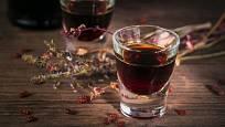 Likér, oblíbený způsob užívání léčivých bylin