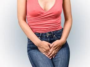 Inkontinence, samovolný únik moči, postihuje ve větší míře ženy.